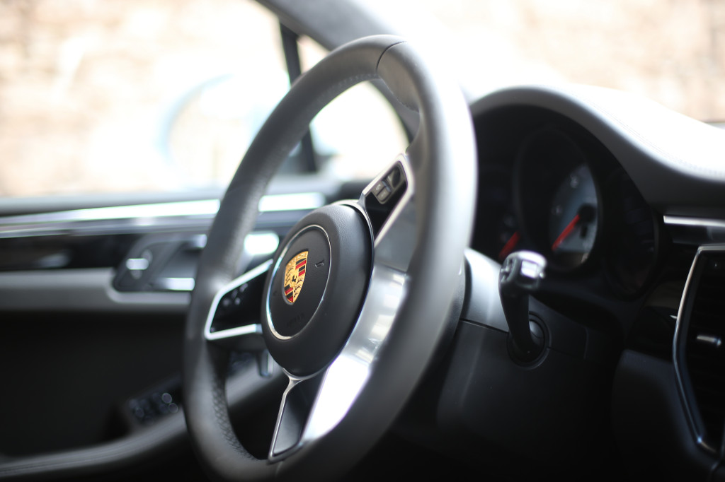 FYLE-Porsche-Macan-5456