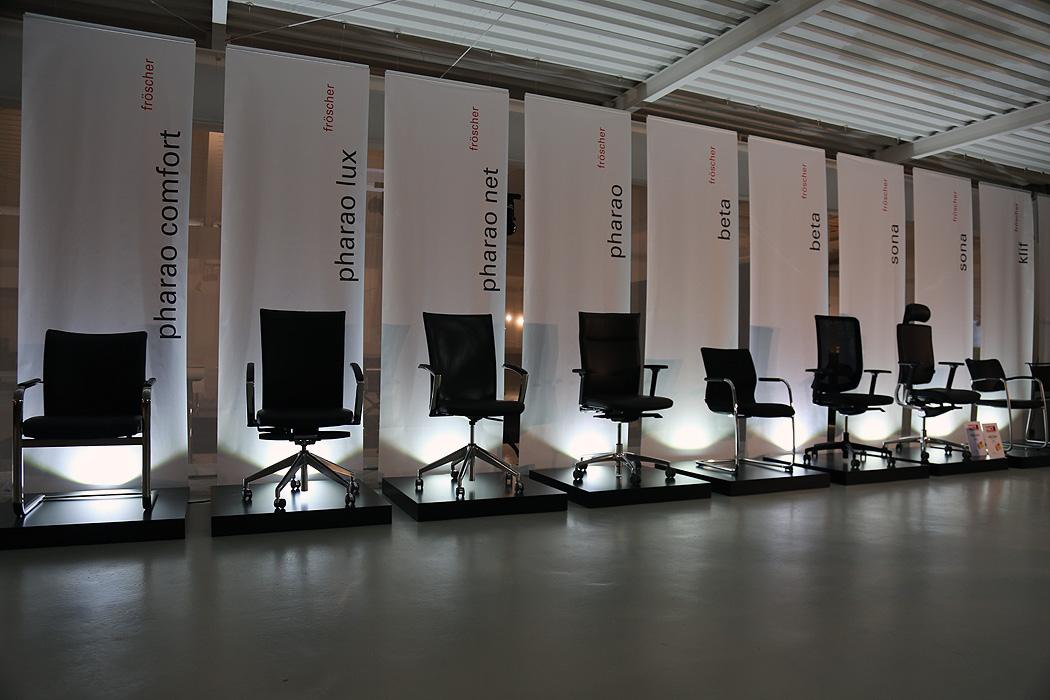FYLE Fröscher Stühle Showroom