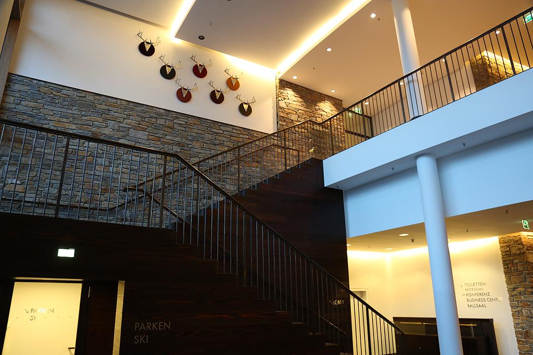 FYLE Kempinski Treppe