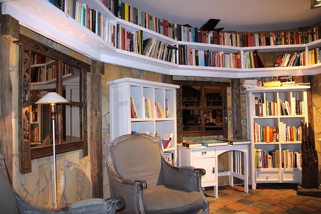 FYLE Seeschlößchen Bücher Lese Raum
