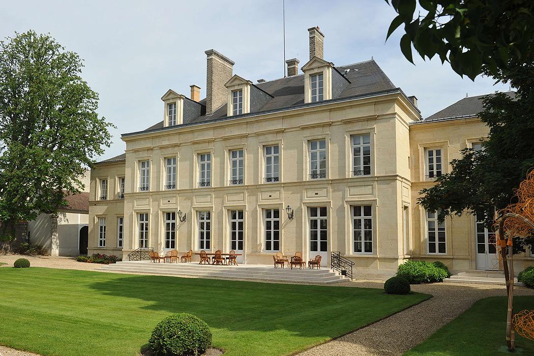 FYLE Veuve Clicquot Hotel du Marc 2