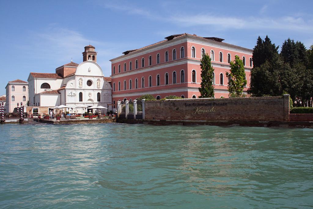 FYLE Kempinski Venedig Eingang