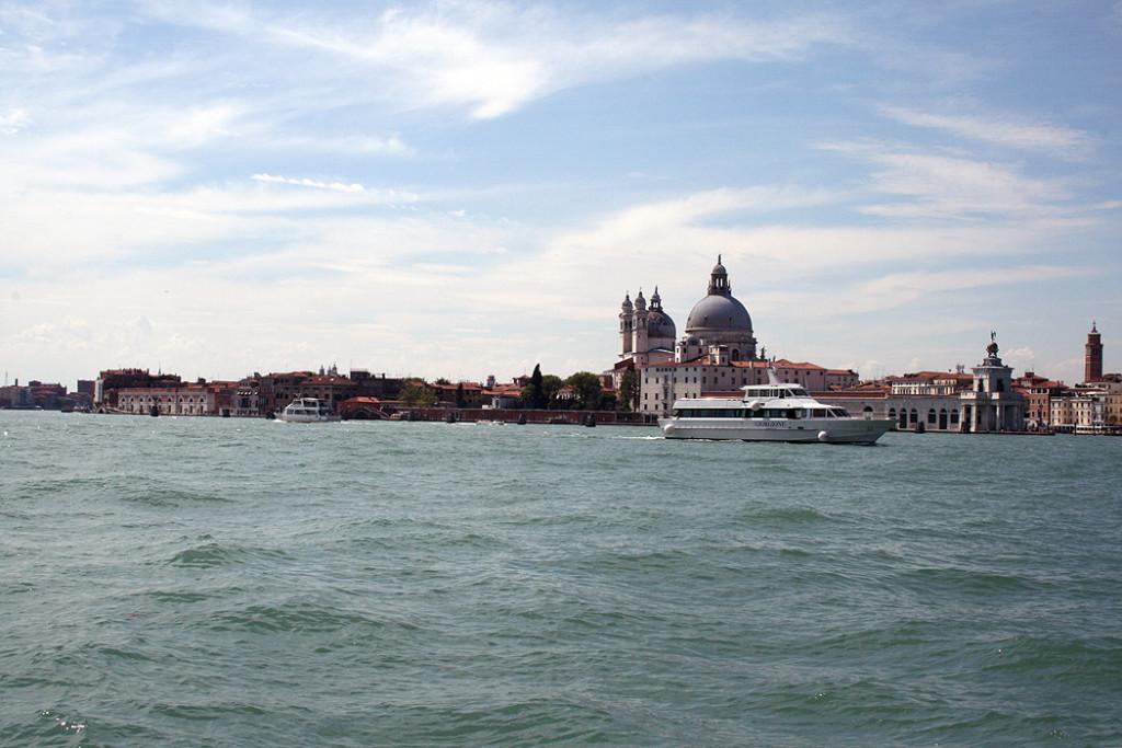 FYLE Kempinski Venedig Wasser