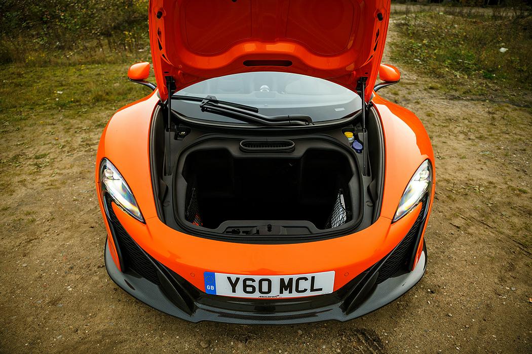 FYLE McLaren 650S Spider Kofferraum