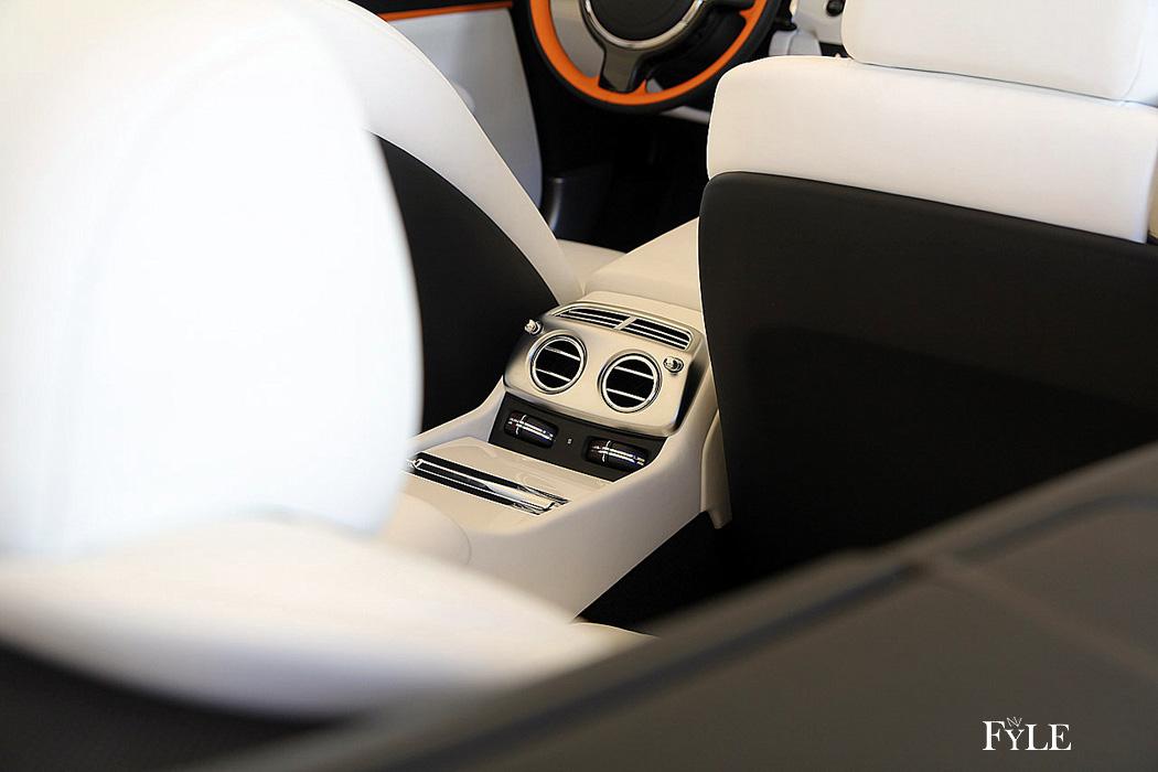 FYLE Rolls-Royce Dawn Edelmetall Akzente Innenraum