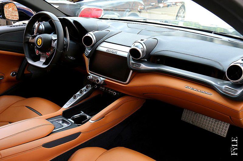 Ferrari Lusso Interieur