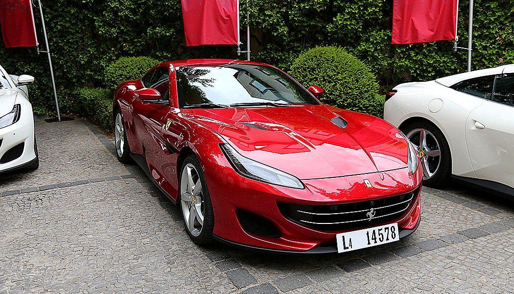 035 7 Seiten Ferrari Portofino