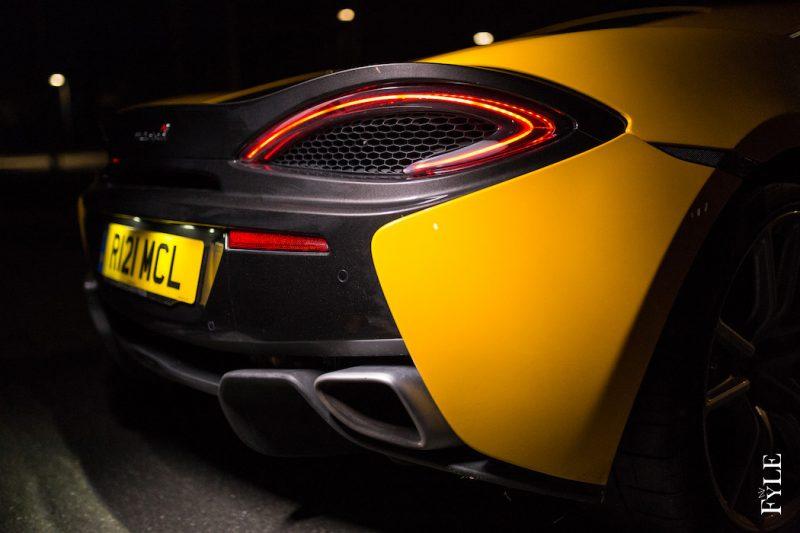 McLaren 540C Heck