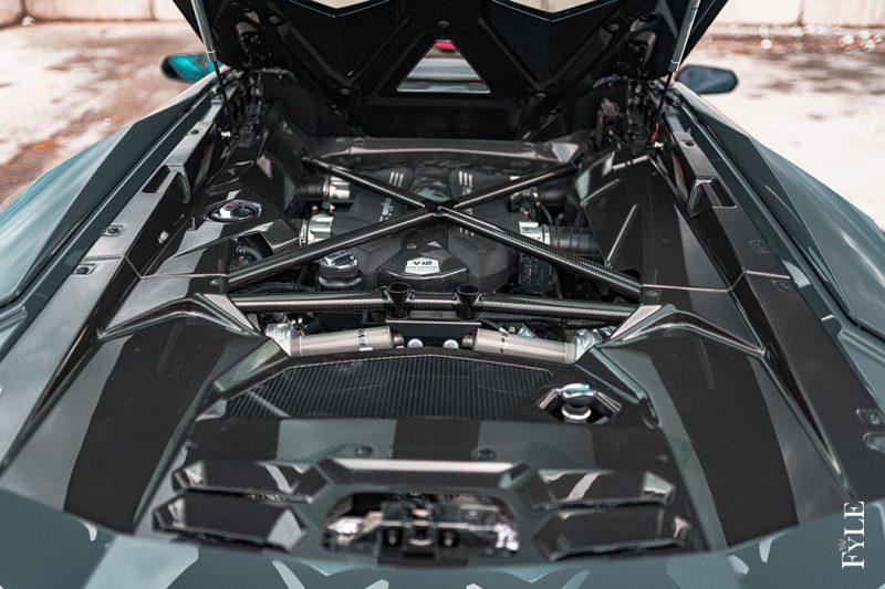Lamborghini Aventador S Roadster Motor