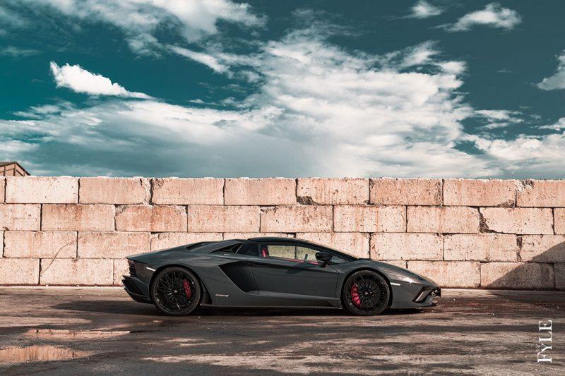 Lamborghini Aventador S Roadster Seite
