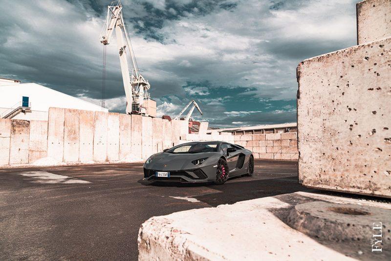 Lamborghini Aventador S Roadster geschlossen