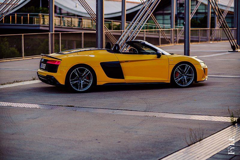 Audi R8 Spyder V10 performance Seite