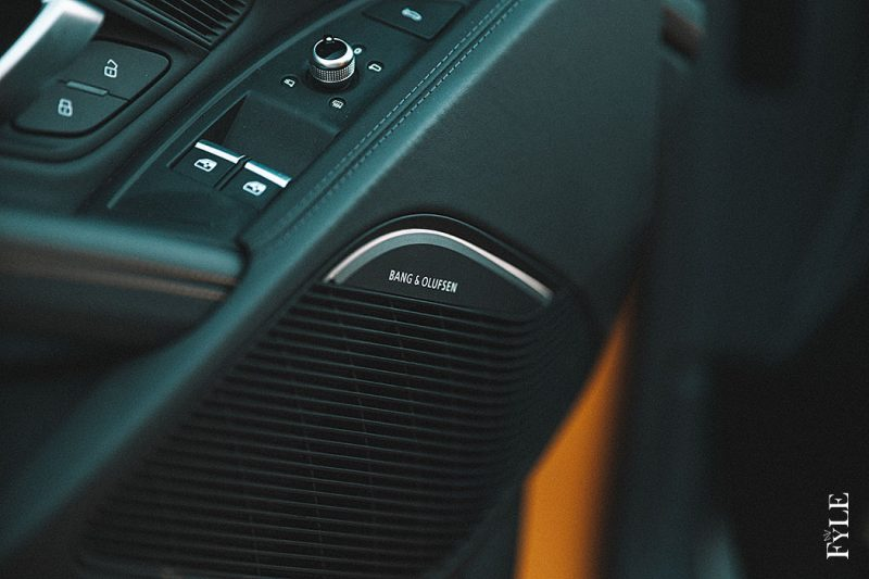 Audi R8 Spyder V10 performance Bang Olufsen