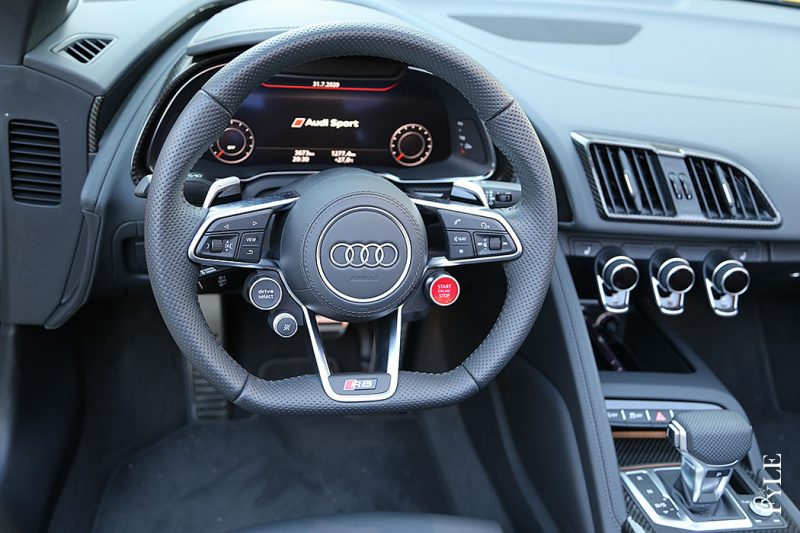 Audi R8 Spyder V10 performance Cockpit