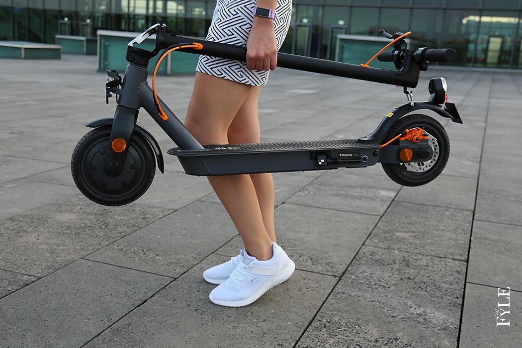 FYLE E-Scooter Trekstor eGear tragen