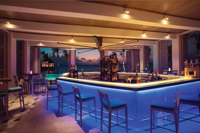 Ozen Maadhoo Bar