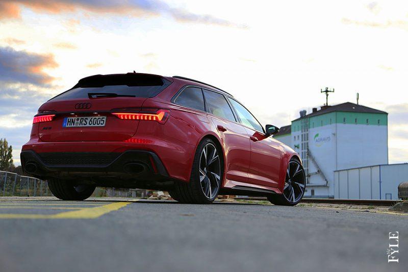Audi RS 6 Avant Sunset
