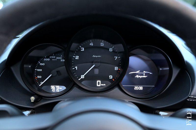 Porsche 718 Spyder Tacho
