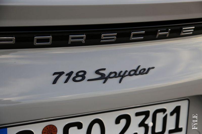 718 Spyder Schriftzug