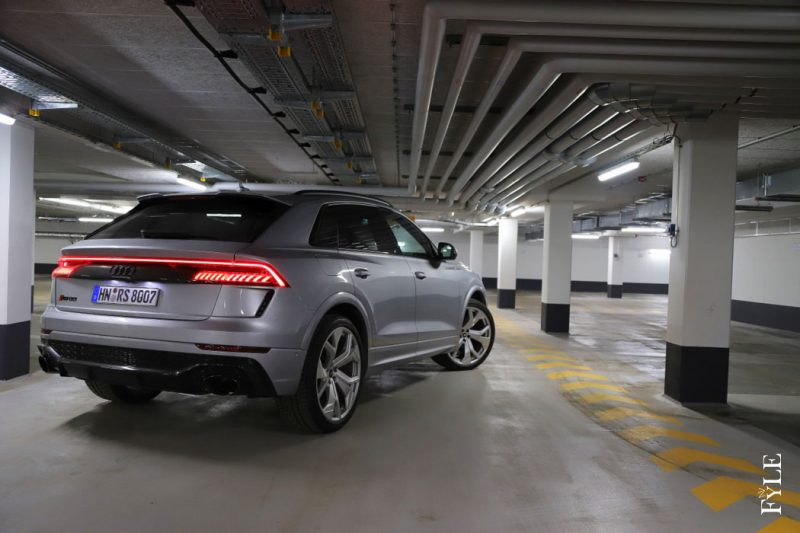 Audi RS Q8 Nightshot